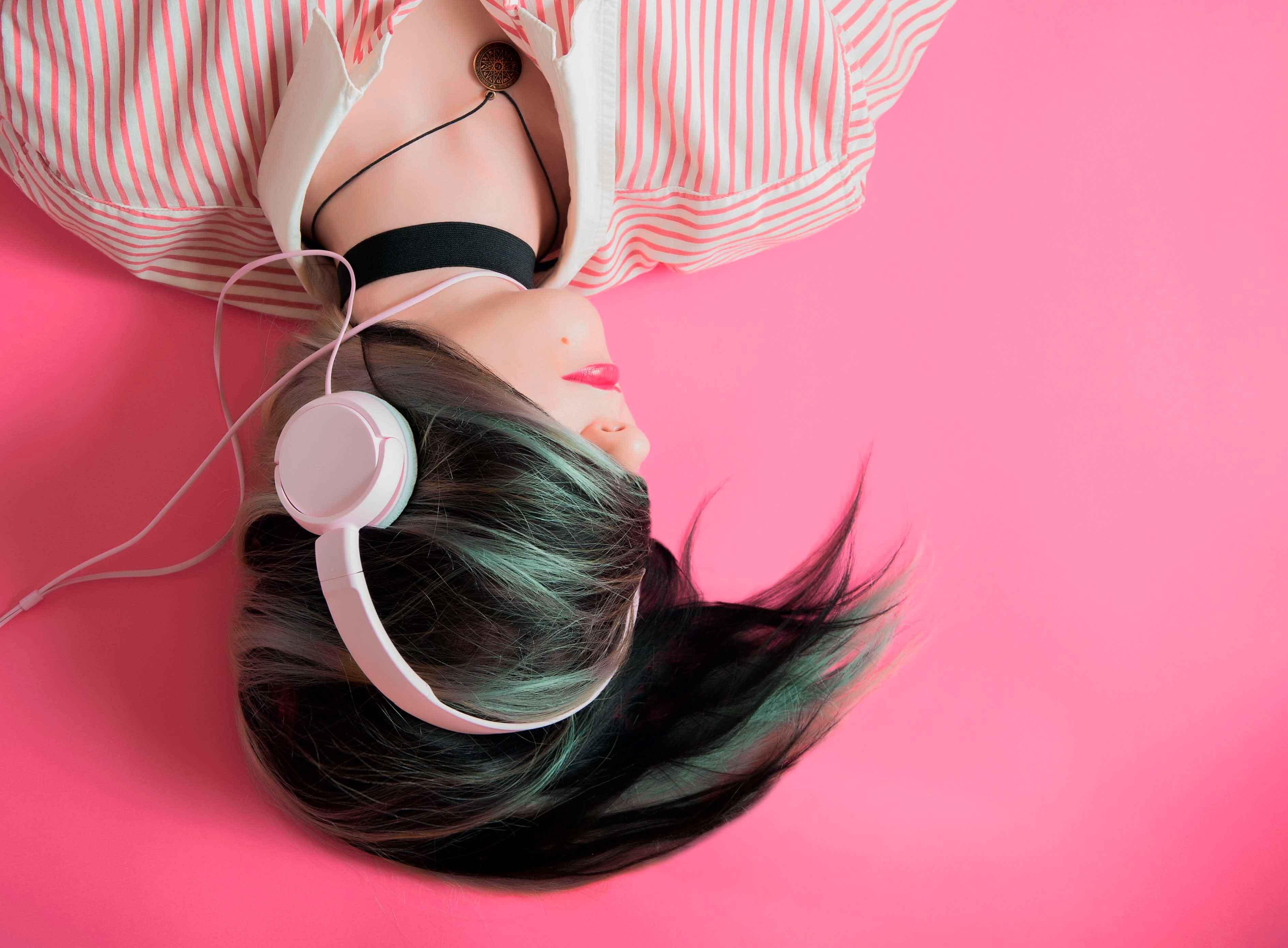 Rebold y los Fundamentos de la compra programática: ¿Por qué deberías incluir el audio programático en tu plan de medios?
